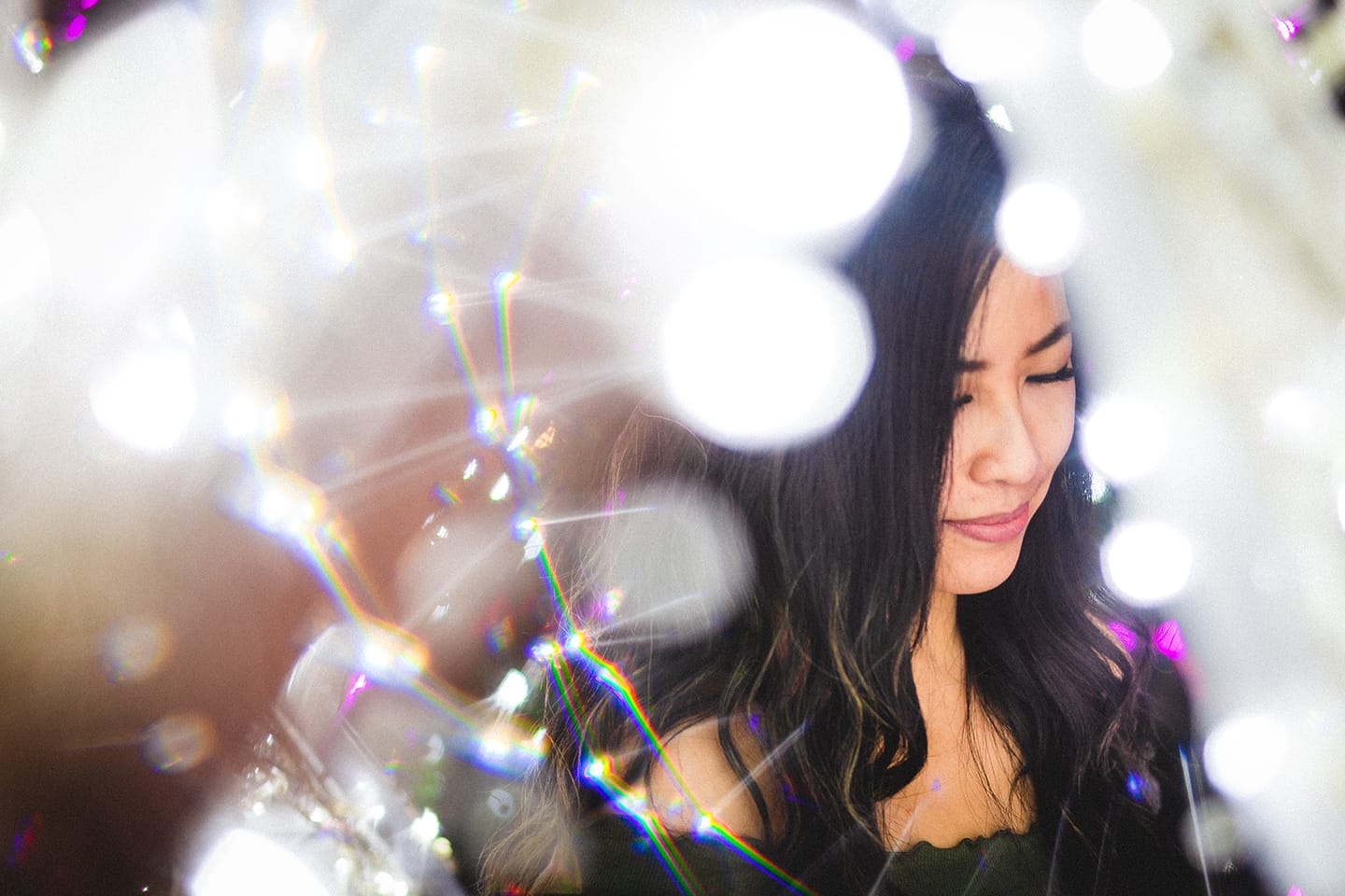 fractals-girl-christmas-lights-purple-lens-flare-white-prism-photography